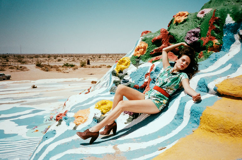 salton city girls Since i was doing a complete guide to the salton sea, i knew i needed to see as much as possible everyone knows about salvation mountain, but few have ventured past it and slab city to the.